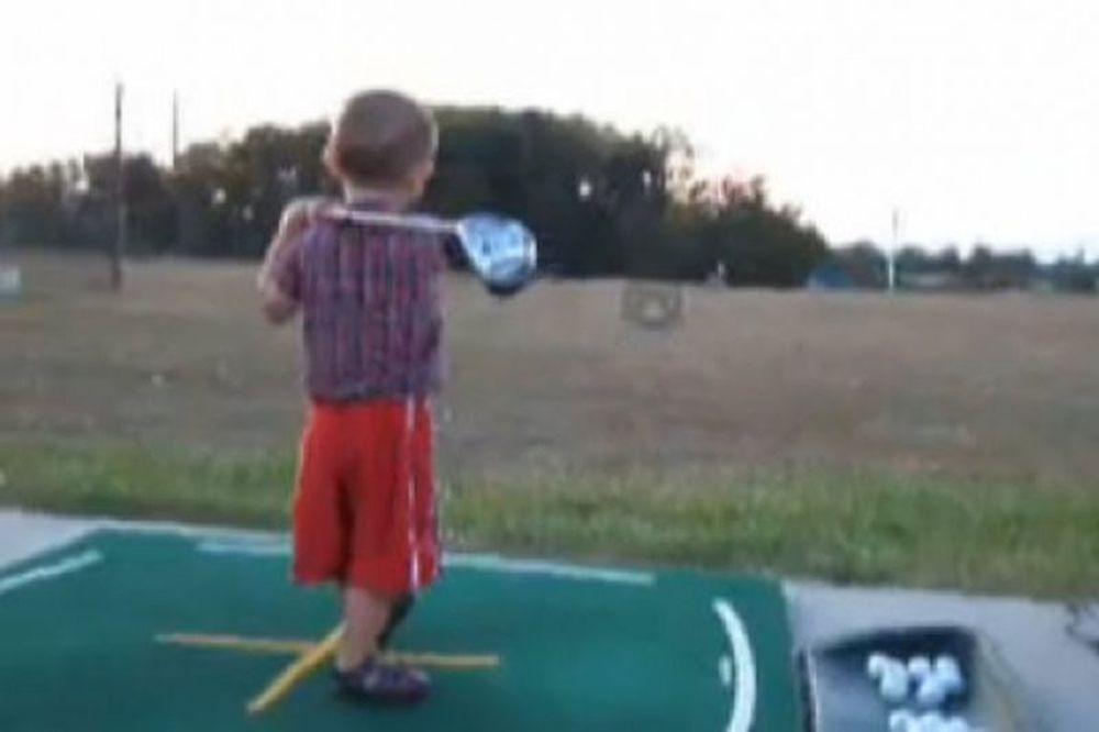 Βίντεο: «Ναι, είμαι και ο πρώτος στο golf»