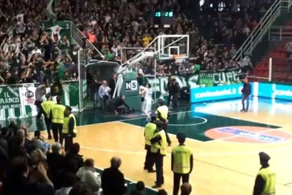 Αβελίνο: Φίλησε τη φανέλα και αποθεώθηκε για Σιένα ο Λάκοβιτς! (video)