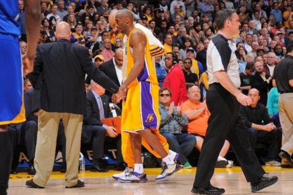 NBA: Σοβαρός τραυματισμός του Κόμπι!