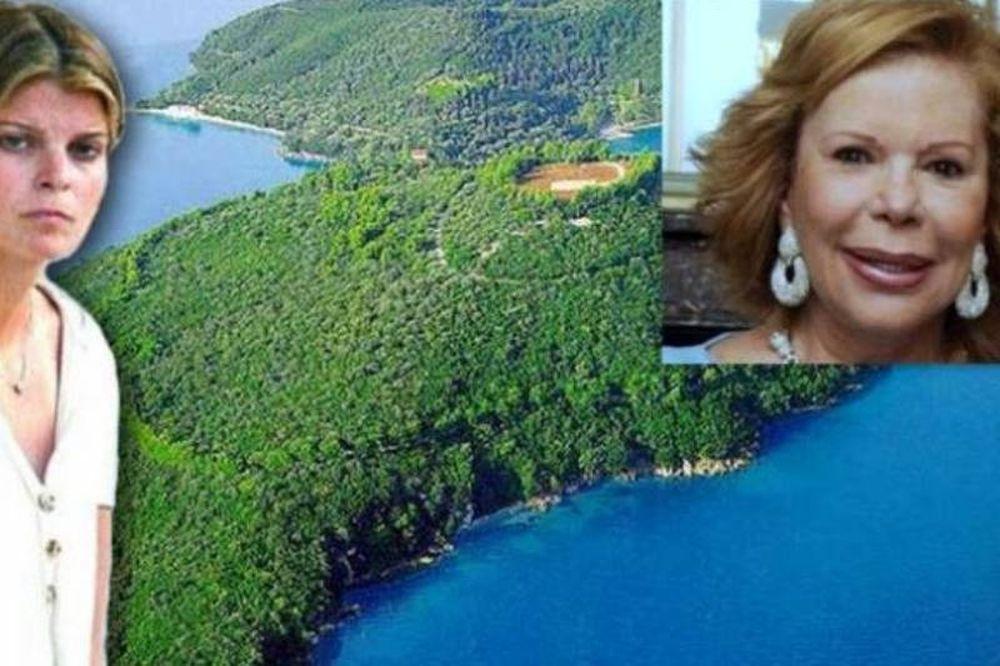 Η νονά της Αθηνάς Ωνάση σχολιάζει οργισμένη την πώληση του Σκορπιού