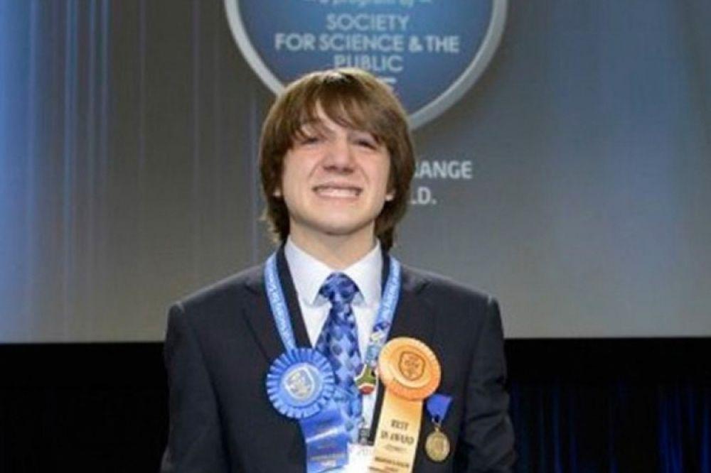 Στην Αθήνα ο Αμερικανός έφηβος που ανακάλυψε το τεστ για τον καρκίνο του παγκρέατος!