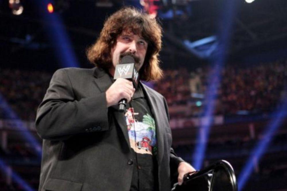 Raw SuperShow: Διαιτητικό ρόλο για Foley (photos+videos)