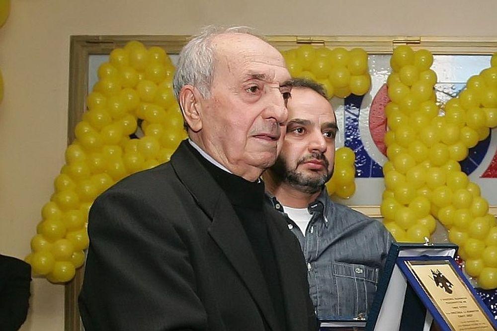 Νεστορίδης: «Θα βλέπουμε την ΑΕΚ και θα κλαίμε…»