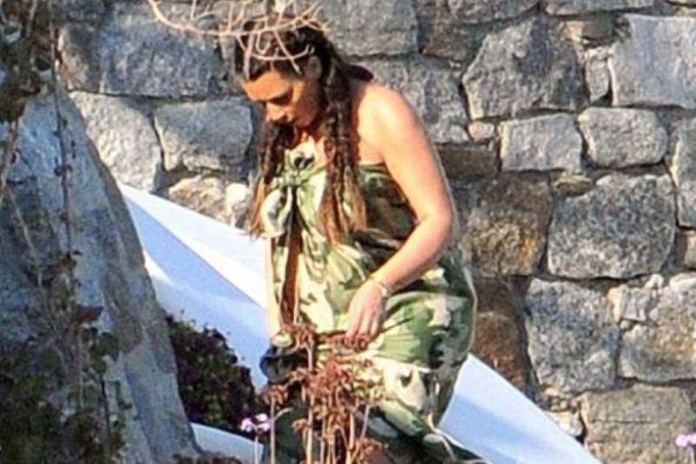 Οι πρώτες εικόνες της Kim Kardashian από τη Μύκονο!