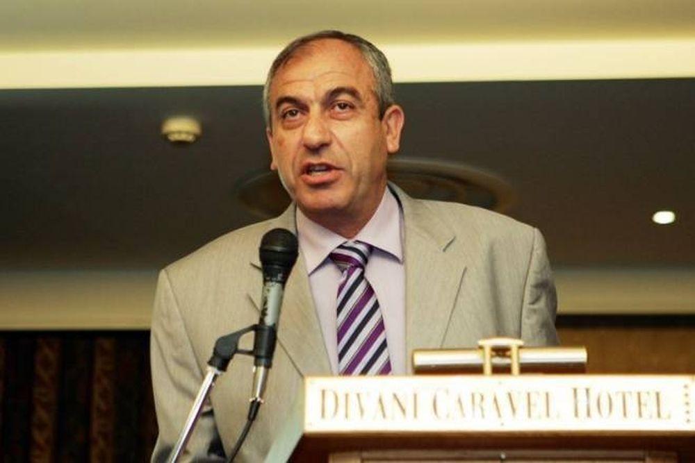 Βαρούχας: «Σοβαρός ο Σπάθας, τα 'κανε θάλασσα ο Αρετόπουλος»