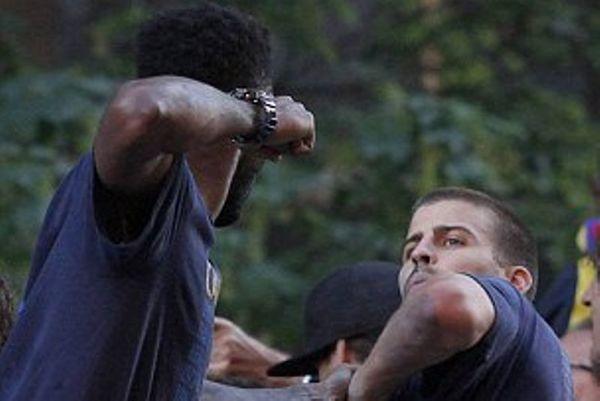 Μπαρτσελόνα: «Πλακώθηκαν» Πικέ και Σονγκ! (photos+video)