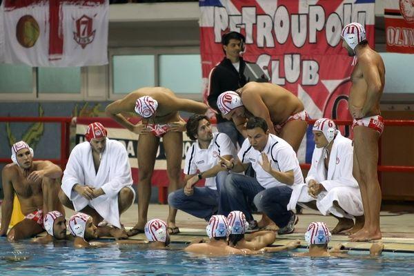 Ολυμπιακός: Δάκρυσε για τον τίτλο ο Βλάχος