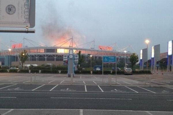 Κόβεντρι: Φωτιά στο γήπεδο λόγω… Muse! (photos)