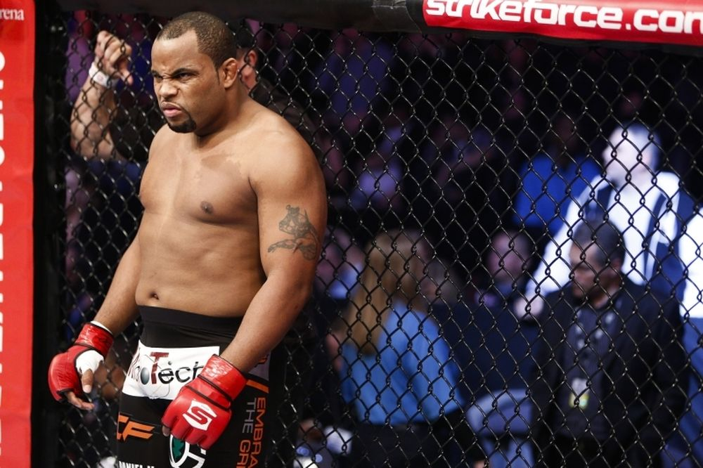 UFC: Κρατά η κόντρα Jones με Cormier