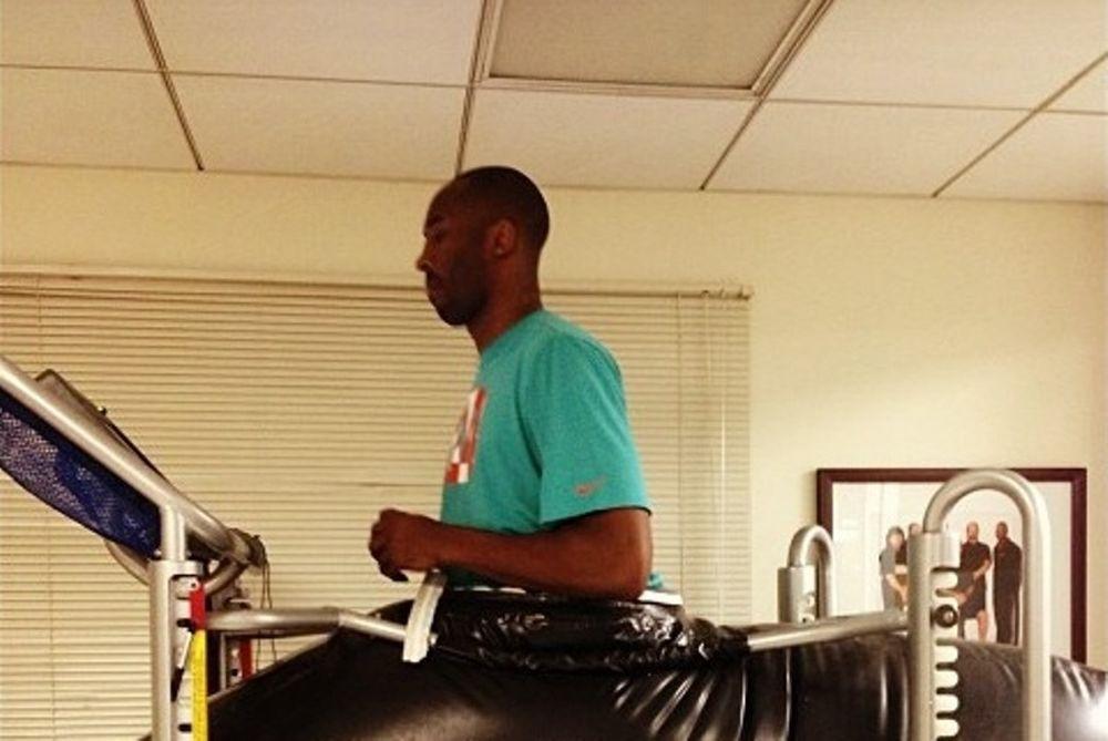 Λος Άντζελες Λέικερς: Τα ειδικά παπούτσια «Medical Mamba» του Κόμπι (photo)