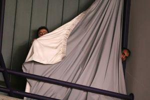 Ολυμπιακός: Δείτε που κρύφτηκαν οι οπαδοί στην εκκένωση (photos)
