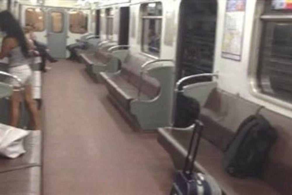 Βίντεο: Βόλτα με το μετρό με... ανοικτή την πόρτα!