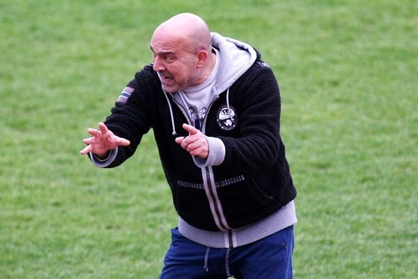 Αιγινιακός: Νέος προπονητής ο Χατζάρας