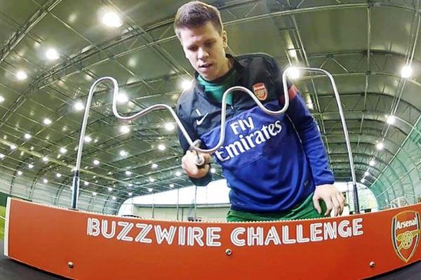 Άρσεναλ: Νικητής στο buzzwire ο Σέζνι (video)