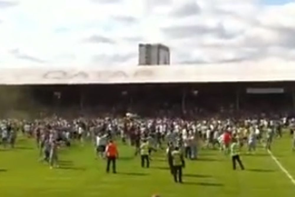 Σέλτικ: Εισβολή οπαδών με Μπρέντφορντ (video)