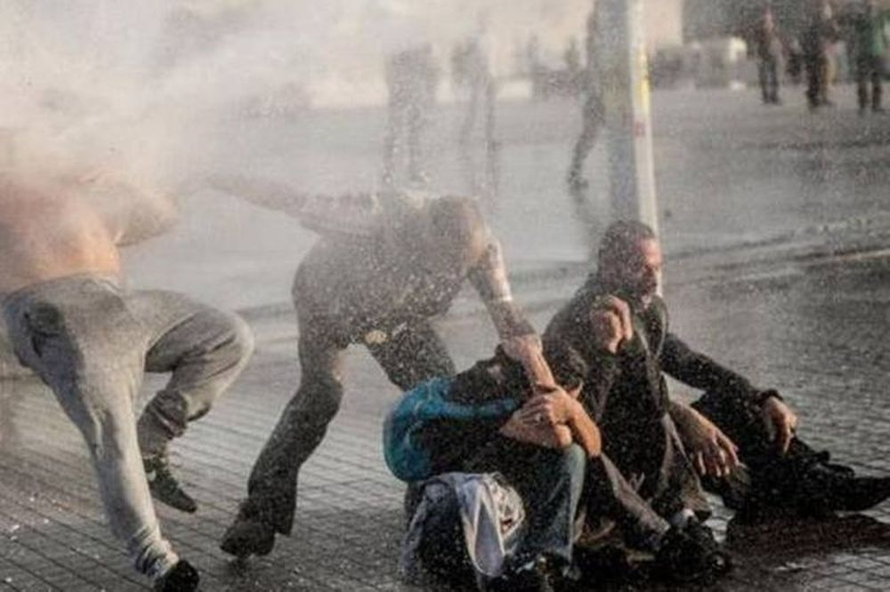 Ένας νεκρός στις οδομαχίες στην πλατεία Ταχρίρ