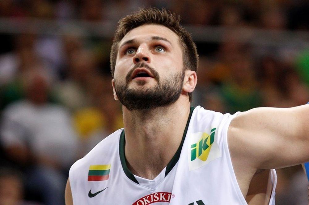 Φενέρμπαχτσε Ούλκερ: Παίκτης του Ομπράντοβιτς ο Κλέιζα!