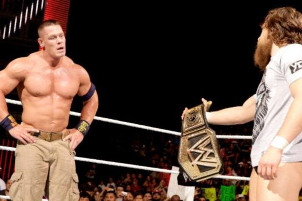 Raw SuperShow: Αποφασισμένος ο Daniel Bryan (photos+videos)