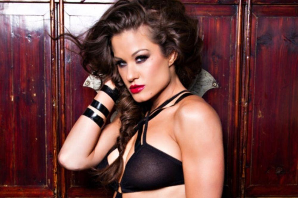 ΤΝΑ Impact Wrestling: «Καυτή» Miss Tessmacher (photos)