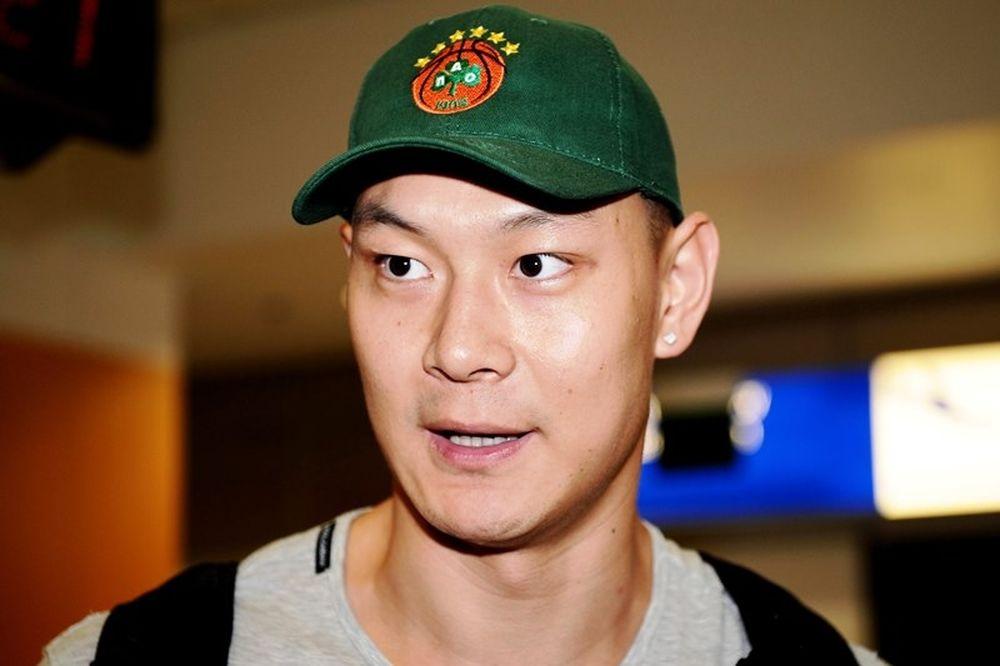 Παναθηναϊκός: Εφτασε έτοιμος για... όλα ο Πινγκ Σανγκ (video+photos)