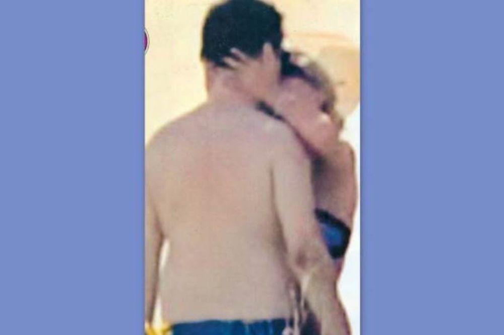 Μακρυπούλια-Χατζηγιάννης: Τα «καυτά» φιλιά τους στην Πάρο!