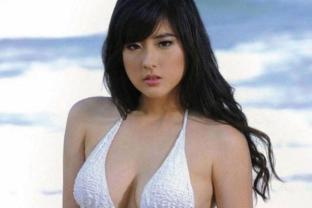 Αυτή είναι η πιο σέξι γυναίκα στον κόσμο! (φωτογραφίες)