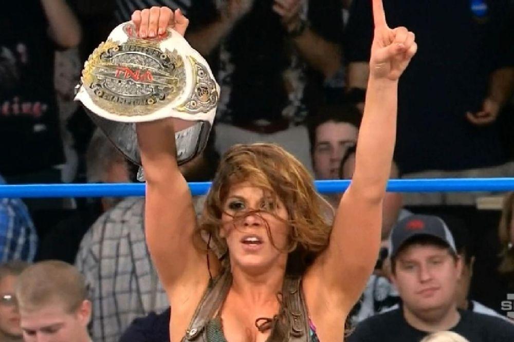 TNA Impact Wrestling: Παρελθόν η Mickie James
