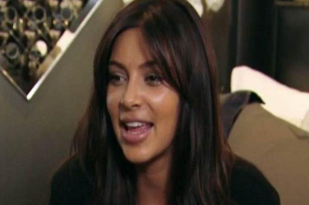 Kim Kardashian: «Το πρώτο πράγμα που έκανα μόλις γέννησα ήταν να δω το αιδοίο μου»