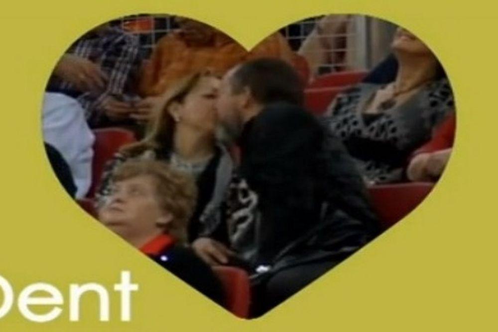 Λαμποράλ Κούτσα: Τα καυτά φιλιά στην «Μπουέσα Αρίνα» (photos+video)