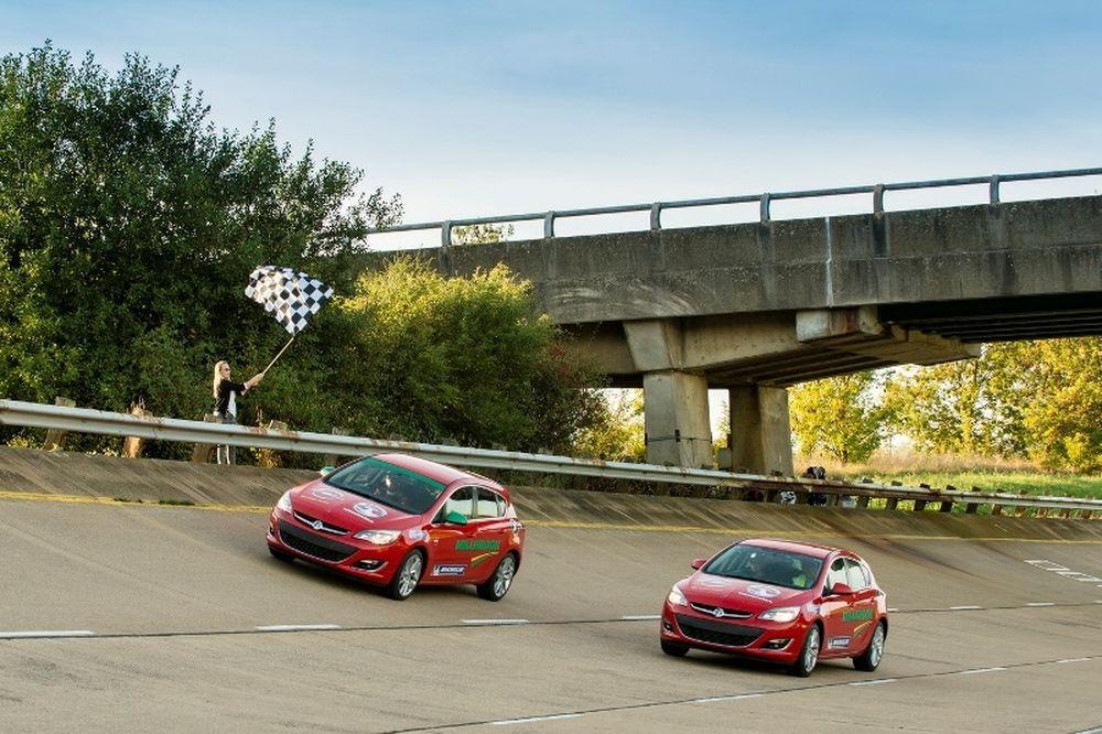18 ρεκόρ για το Opel Astra 2.0 CDTI