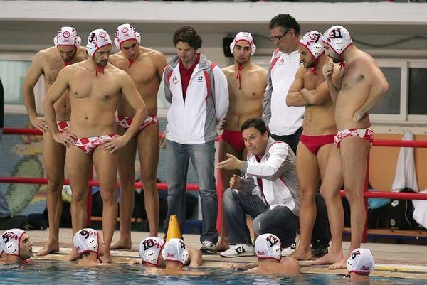 Βλάχος: «Να μην πέσει στην παγίδα ο Ολυμπιακός»
