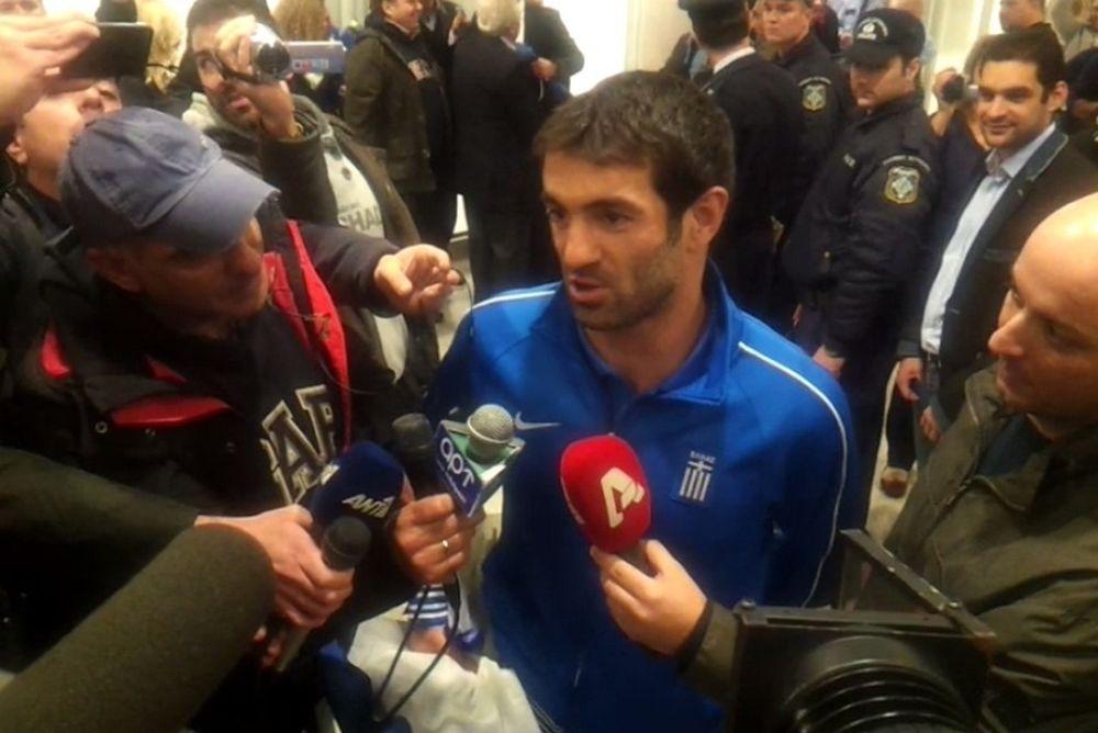 Onsports TV: Οι δηλώσεις Καραγκούνη και ο… Ταρζάν (video)