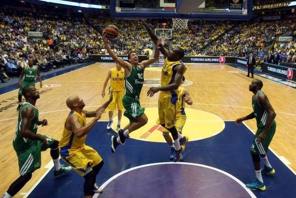Ευρωλίγκα: Ο Παναθηναϊκός περνάει, ο Ολυμπιακός ελέγχει (photos+video)