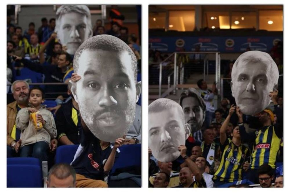 Φενέρμπαχτσε Ούλκερ: Πρόσωπα στις κερκίδες ο «Ζοτς» και οι παίκτες του (photos)