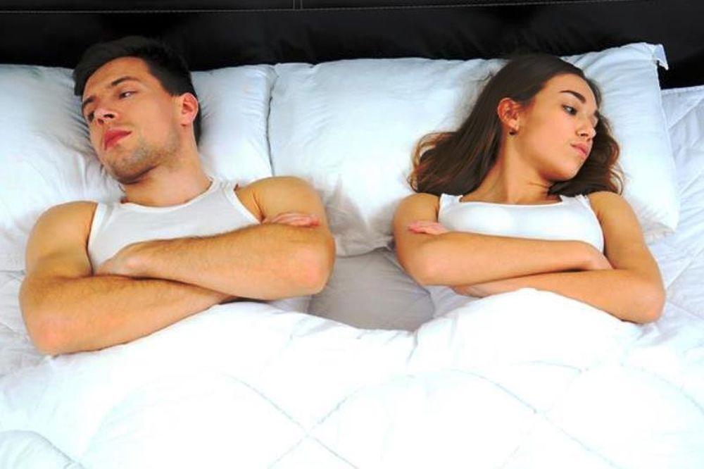 Ζευγάρια: Είναι καλό να κοιμούνται χωριστά;
