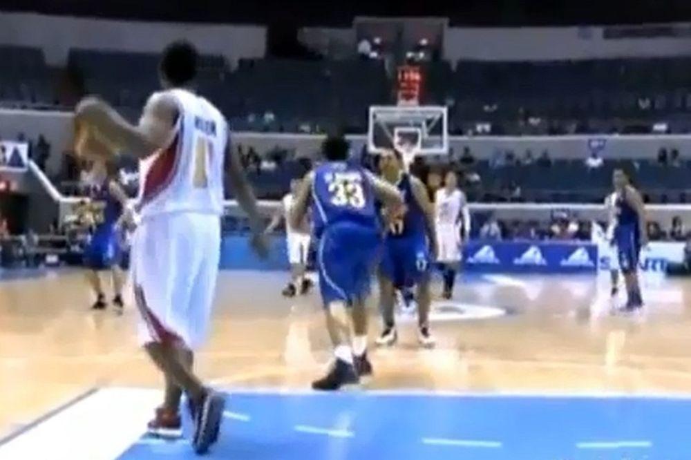 Η προσποίηση του αιώνα σε αγώνα μπάσκετ στις Φιλιππίνες (Video)