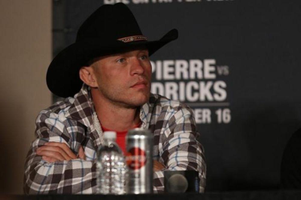UFC on FOX 10: Ασυγκράτητος ο «Cowboy»