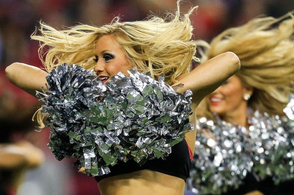 NFL: Και στο κρύο οι Cheerleaders (photos)