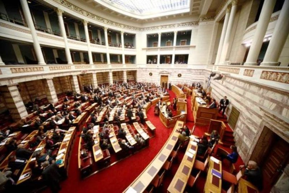 Ένταση στη Βουλή κατά την ψηφοφορία της τροπολογίας για τα φάρμακα