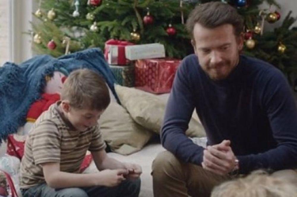 Ο εφιάλτης των Χριστουγέννων; Το πιο... απογοητευτικό σποτ των φετινών γιορτών