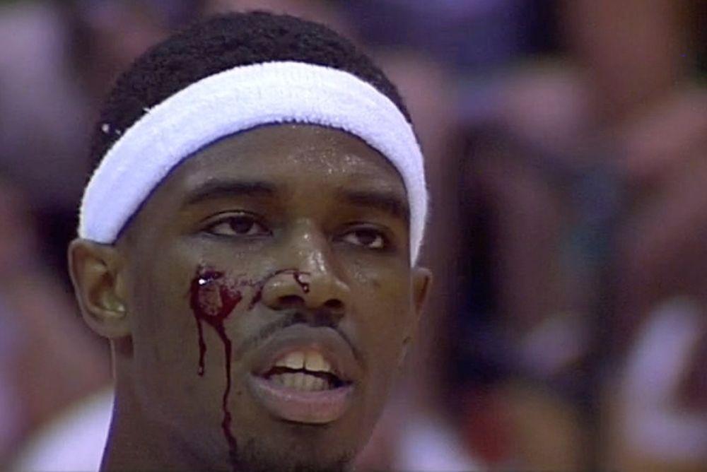 NCAA: Τον σκότωσε και χωρίς φάουλ! (video+photos)
