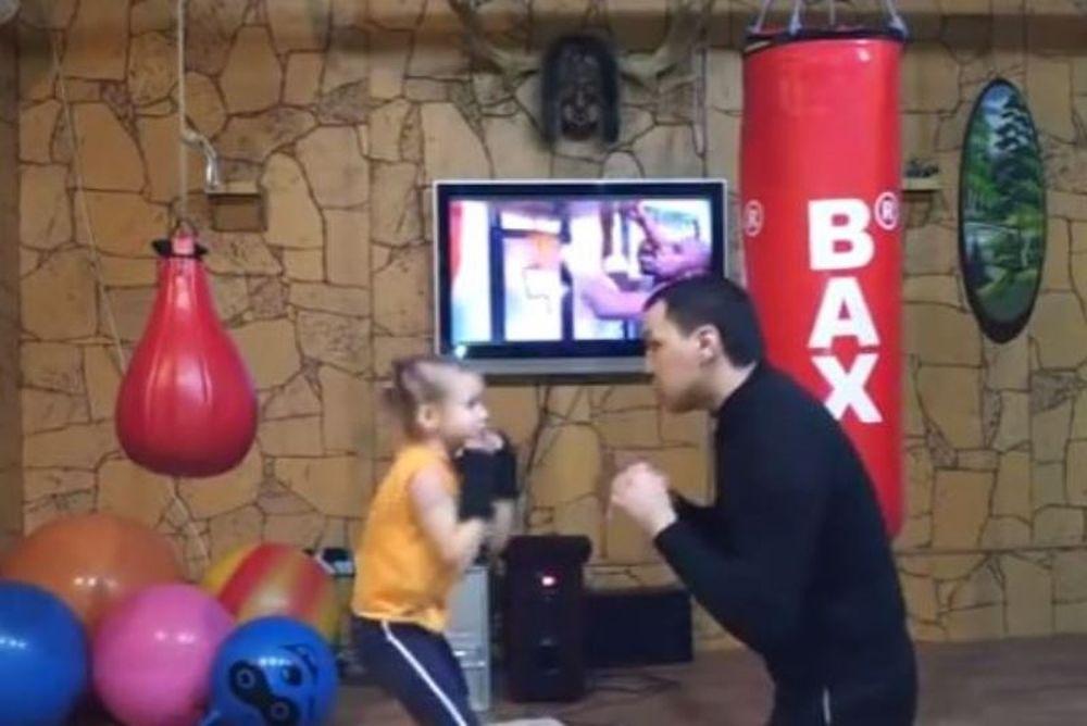 Αν τα βάλετε με αυτό το μικρό κορίτσι, μάλλον την πατήσατε! (video)