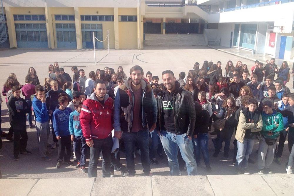 Ιωνικός: Νέα επίσκεψη σε σχολεία της Νίκαιας