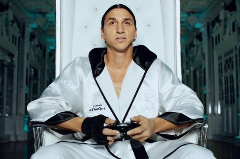 Παρί Σεν Ζερμέν: Δείτε τον Ιμπραΐμοβιτς να παίζει Xbox (video)