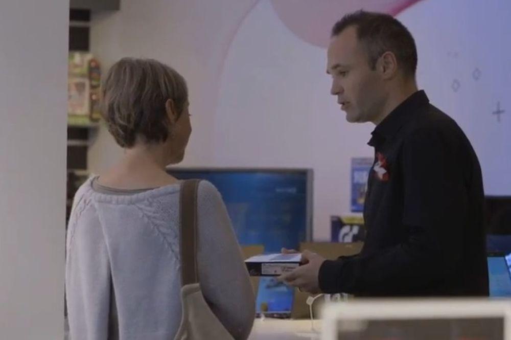 Μπαρτσελόνα: Πωλητής ο Ινιέστα! (photos+video)