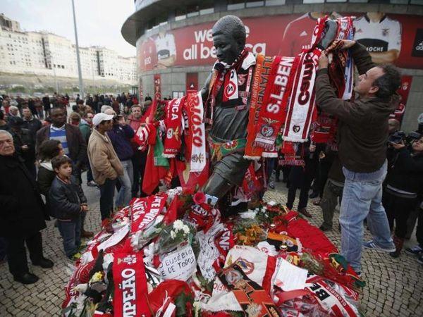 Η Λισαβόνα αποχαιρετά τον Εουσέμπιο