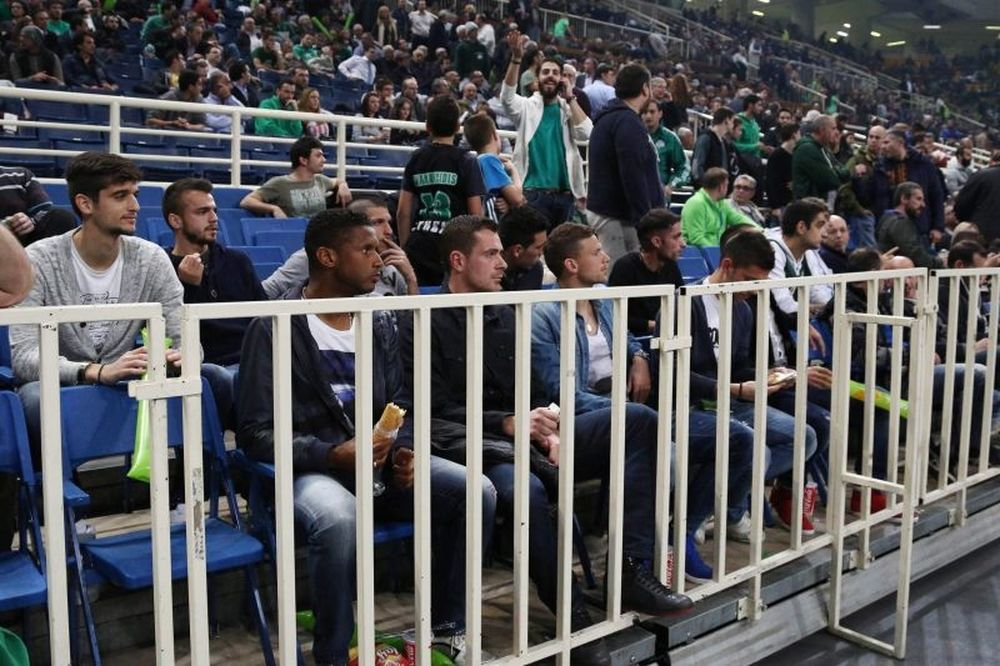 Onsports TV: Ποδοσφαιριστές... οπαδοί (videos)