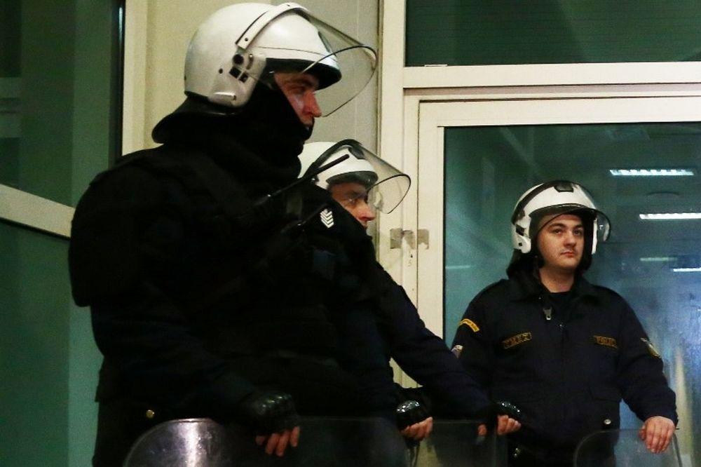 Συλλήψεις έξω από το ΟΑΚΑ