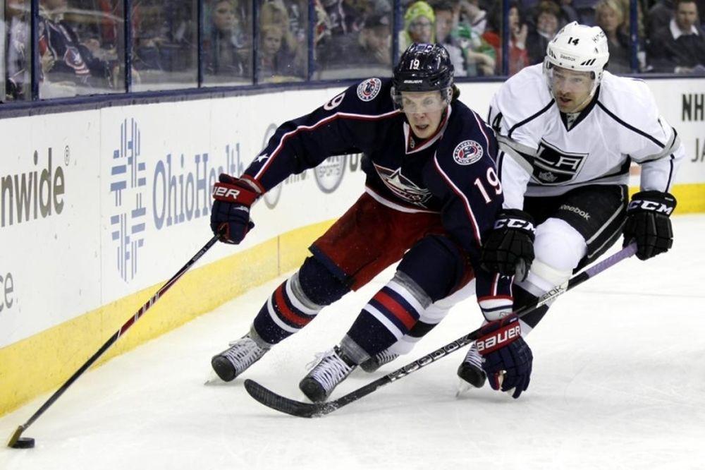 NHL: Έβδομη σερί νίκη για Μπλου Τζάκετς (videos)