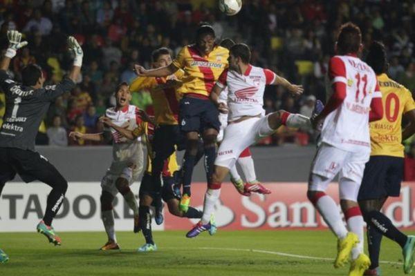 Κόπα Λιμπερταδόρες: Φωτοβολίδα στο Μεξικό (videos)